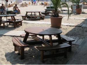 Круглый стол со скамейками Фамилия